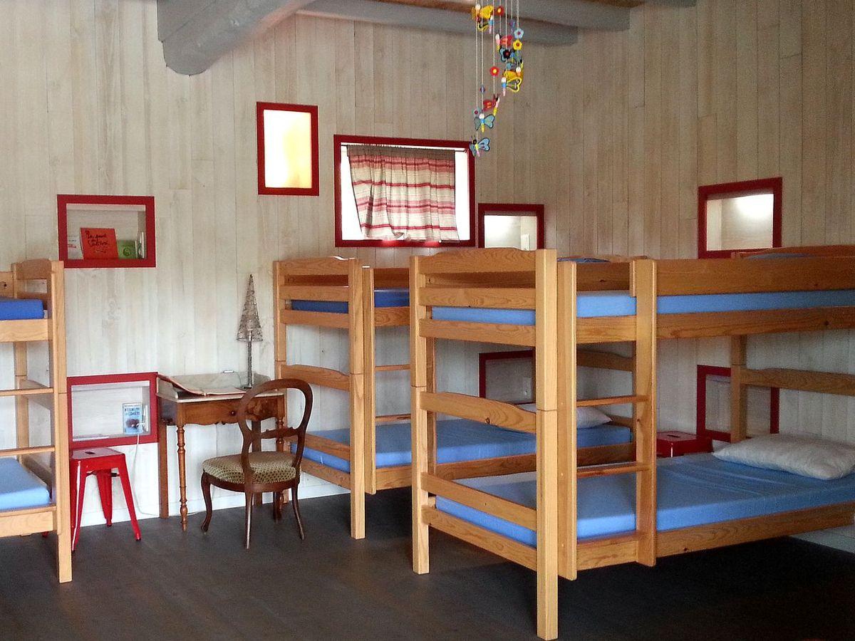 dortoir-compostelle-pelerins1200